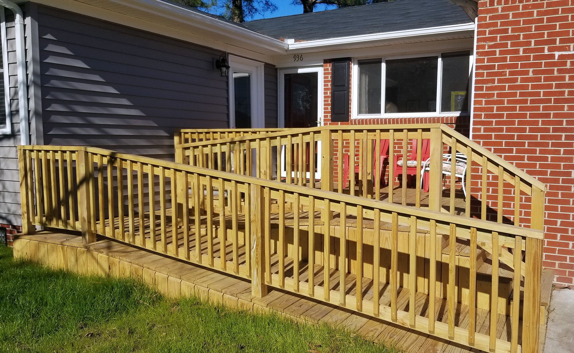 Accessible entryway ramp